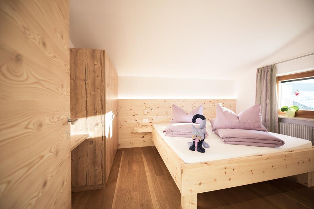 ferienwohnung mit balkon zu schloss pr sels. Black Bedroom Furniture Sets. Home Design Ideas